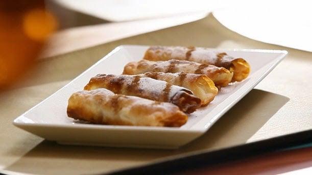 Vişneli Tahinli Rulo Börek nasıl yapılır