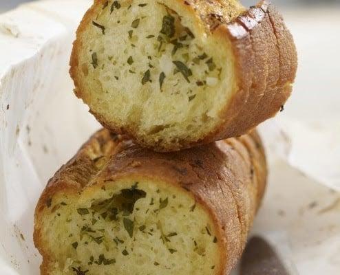 sarımsaklı zeytinyağlı italyan ekmeği
